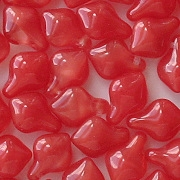 11mm Milky Red Spade Beads [15]
