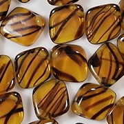 13mm Topaz Tortoise Diamond-Shaped Drop Beads [40]