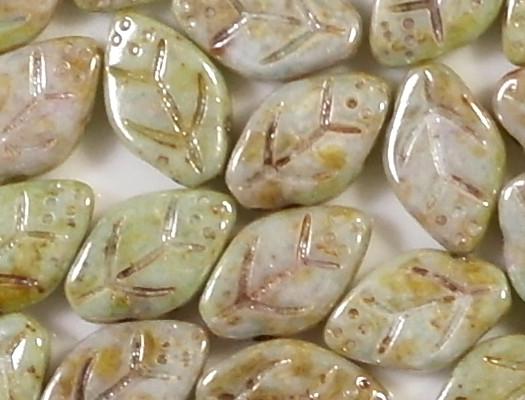 12mm Mottled Pastel Green Leaf Beads [25]