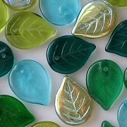 18mm Mixed Green/Aqua Leaf Beads [25]